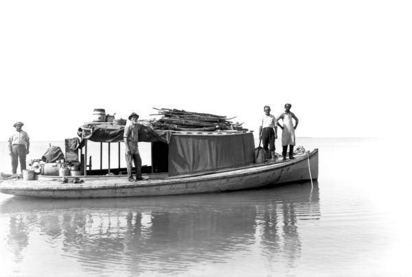 "Charles Deering's vessel the ""Barbee"" with a load of cactus plants being delivered by botanists and crew for study in December of 1916"