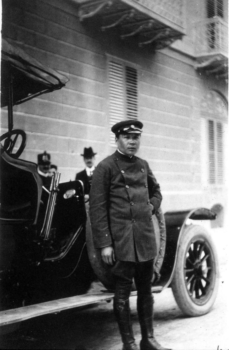 Joe Summer, Charles Deering's chauffeur throughout his European travels