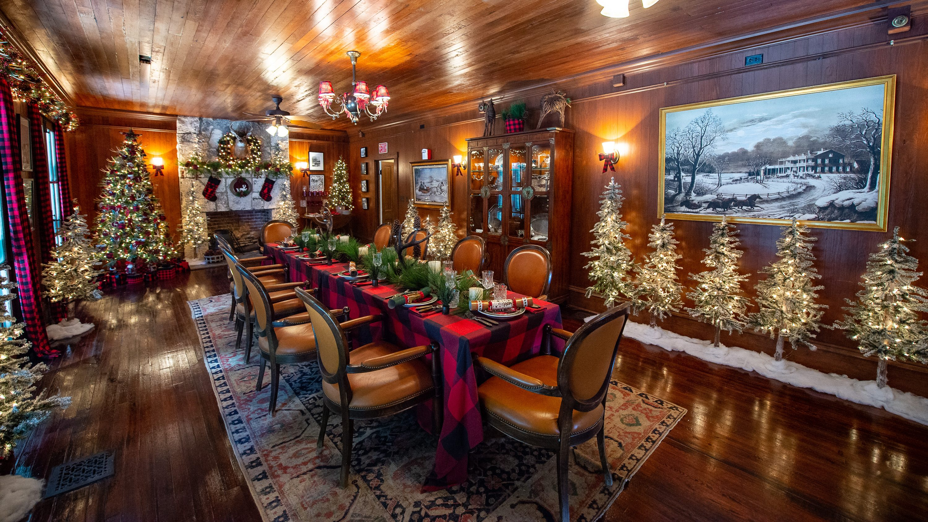 Dining room of the Richmond cottage fully decorated for the winter holidays coming up