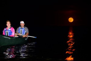 moonlight kayak canoe paddling tour