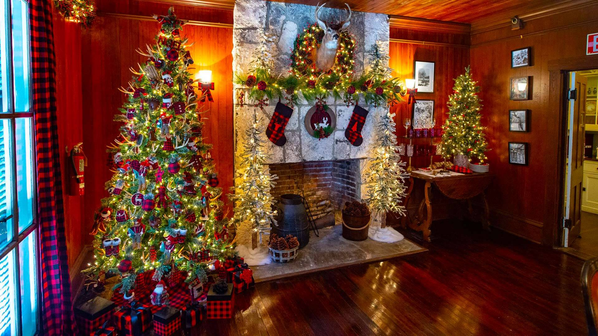 Christmas tree and decorations in living room at deering estate